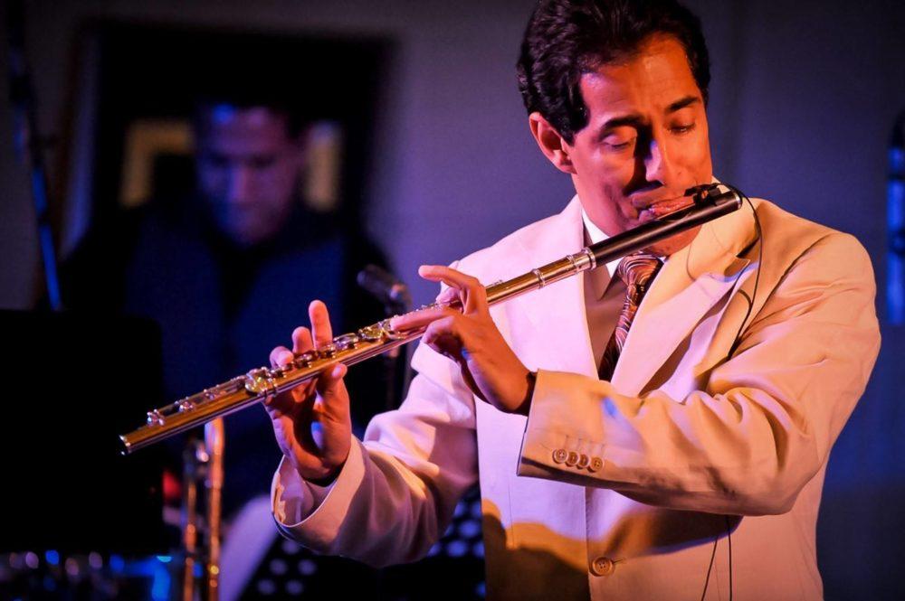 Nestor Torres, Host